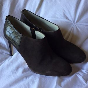 Michael Michael Kors Brown leather ankle booties